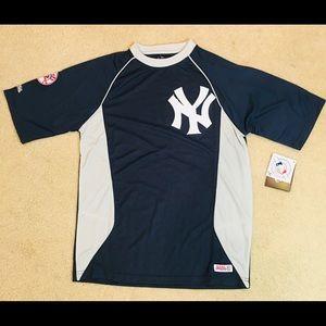 New York NY Yankees baseball med shirt NWT